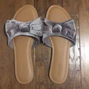 Purple bow sandals